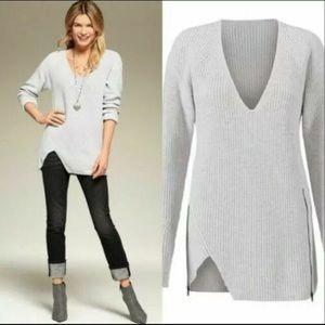 CAbi Deep V Pullover Sweater 3531 Medium